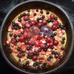 Пирог с замороженными ягодами в духовке