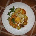 Картошка с брюссельской капустой и сыром в духовке.