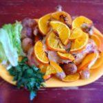 Курица с апельсинами и розмарином в духовке