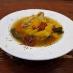 Суп из куриных крылышек и тыквы