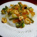 Фунчоза с креветками и овощами