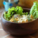 Салат из трески с запеченными овощами
