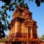 Чамские башни в Муйне. Фантьет. Пошану.Thap Poshanu Cham Towers