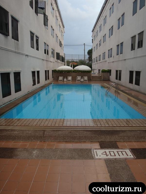 бассейн Инн Винг 2 Амбассадор