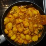 Как приготовить вкусно тушеную картошку с мясом. Пошагово.