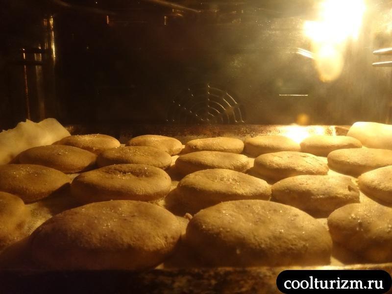 печём печеньки в духовке
