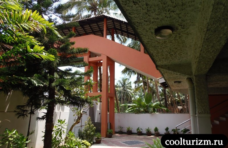 внутренний дворик Рой Вилла.Шри Ланка