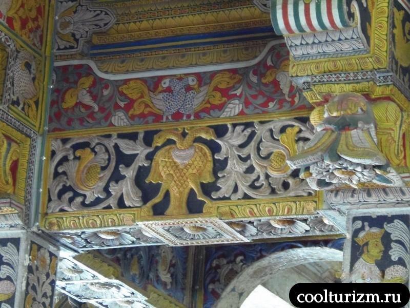 орёл с российских монет в Шри Ланке