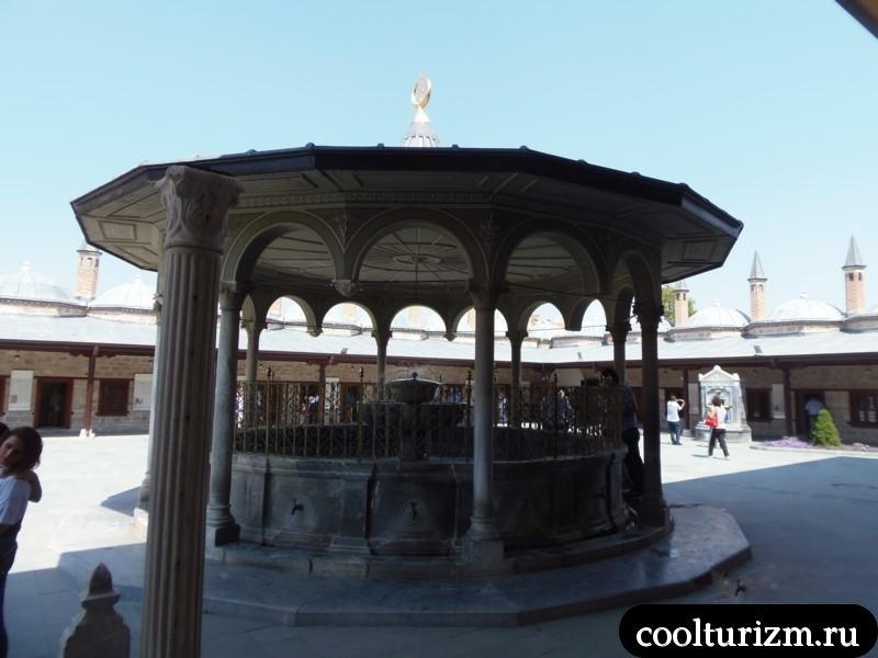 Экскурсия в Каппадокию фонтан для омовений.Мавзолей Мевляны