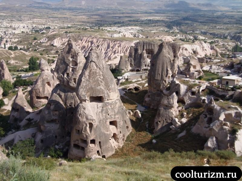 Каппадокия.Виды на скалы около Учхисара