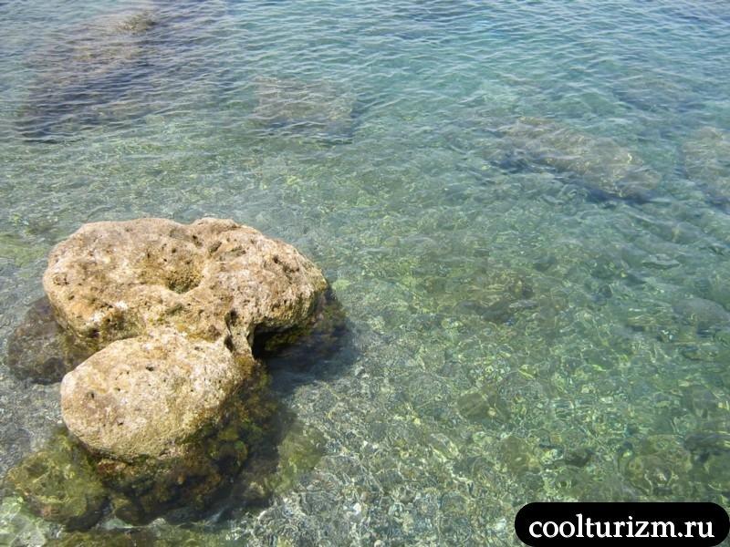 вода в море.родос