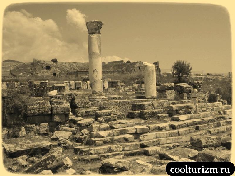 древность и руины Иераполис Турция Памуккале