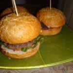 Готовим вкусные гамбургеры дома.