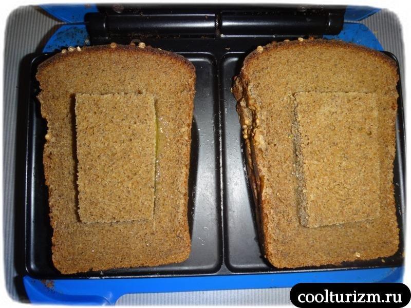 жарим хлеб в бутерброднице