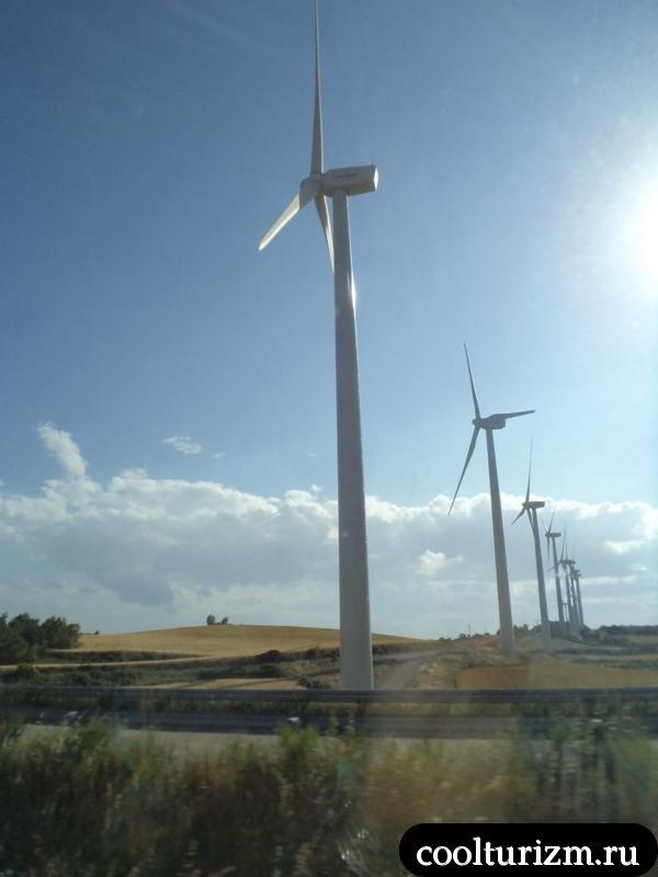 ветряки по пути в Андорру