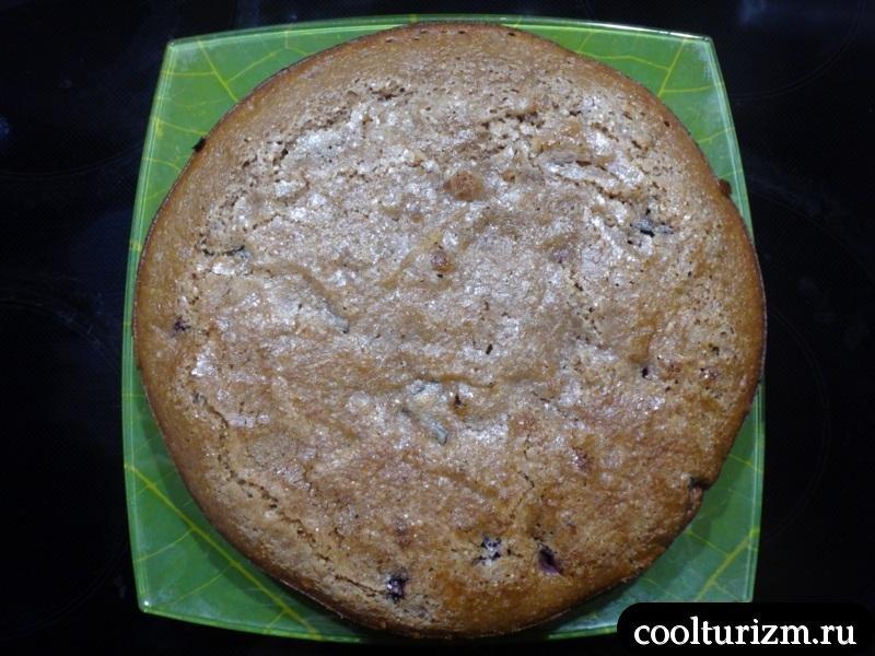 печем ягодный пирог 45 минут при 180 градусах