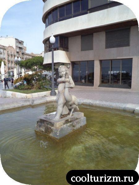 мальчик душит гуся Таррагона Испания фонтан