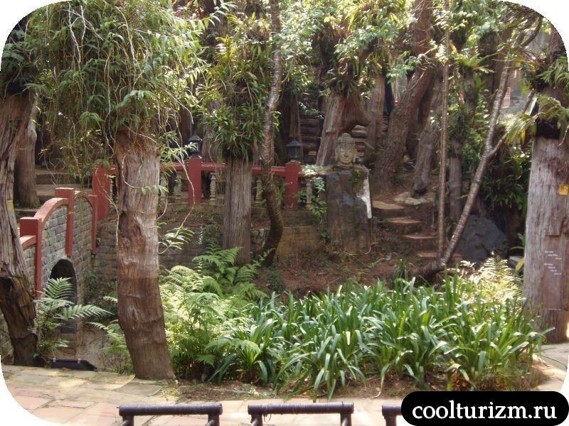 Далат вьетнам двор музея шелка