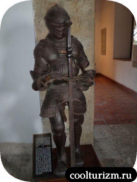 щуплый рыцарь Доминикана