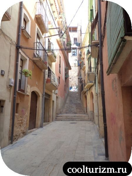 узкие улочки Таррагоны Испания