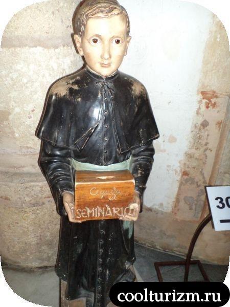 внутри собора Доминикана
