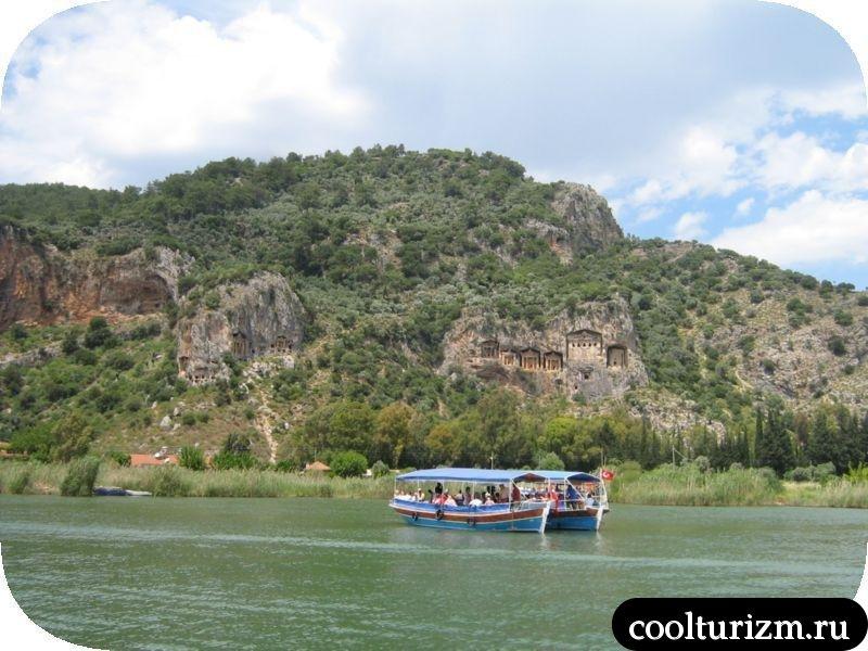ликийские гробницы вид с лодки