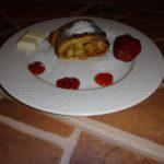 Яблочный штрудель из готового теста
