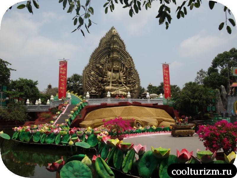 многорукое божество из вьетнама