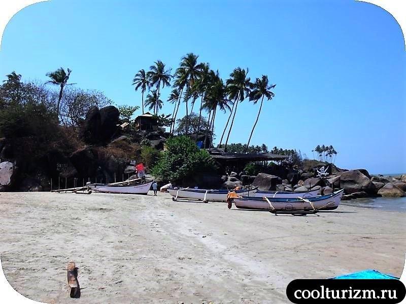левая часть пляжа Палолем.