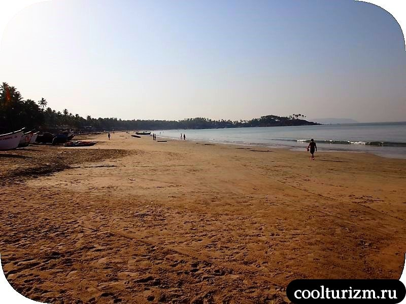пляж Палолем утром в марте