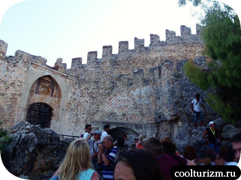 алания крепость красная Башня
