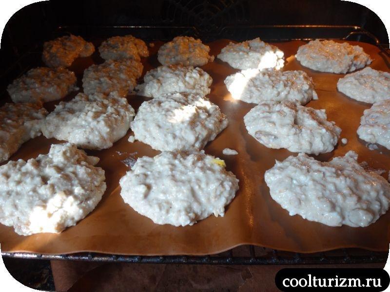 овсяные печеньки с изюмом
