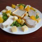 Салат из нежной куры с апельсинами и пармезаном