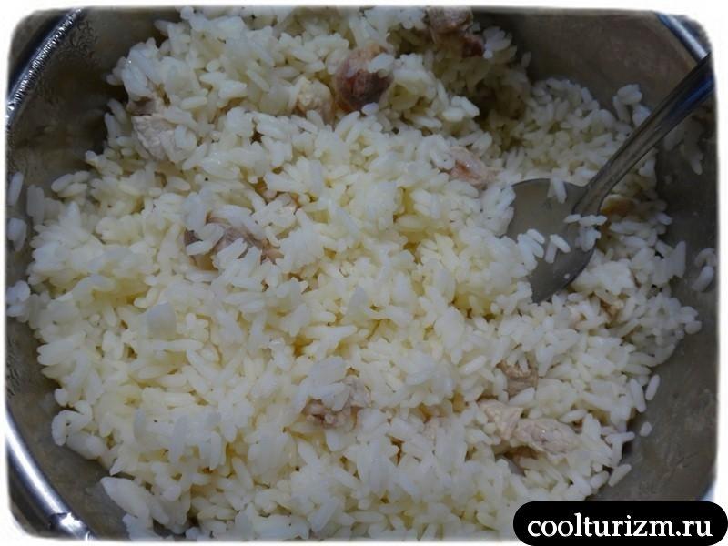 салат из риса с прочими добавками