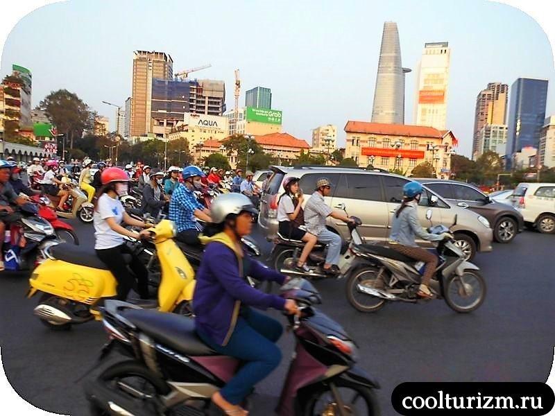 Хошимин, Вьетнам.Бен Тань площадь у рынка
