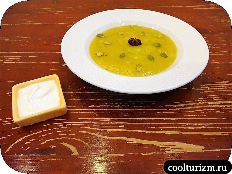 суп-пюре из тыквы и картофеля