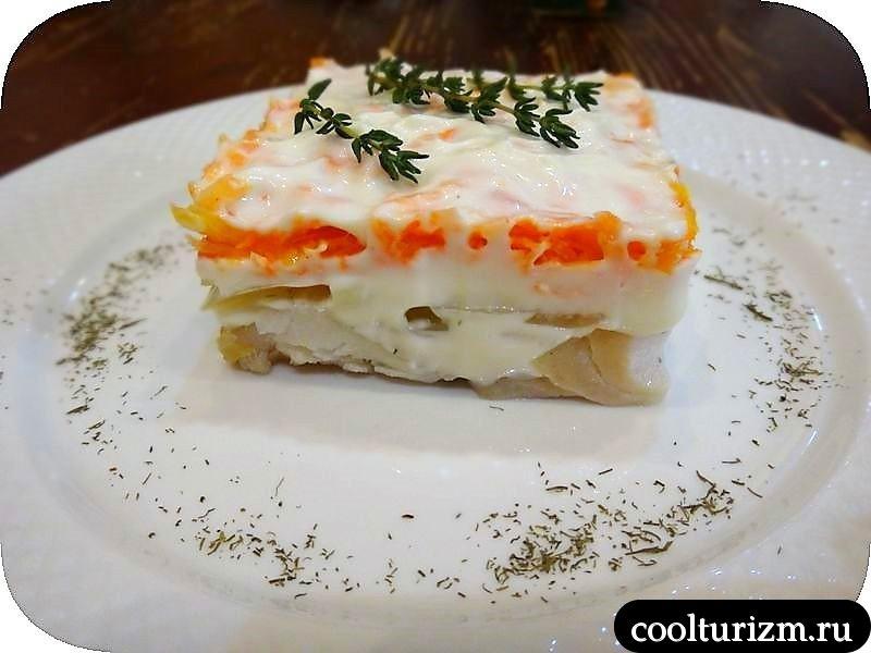 салат из трески и моркови с майонезным соусом