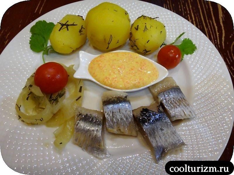 селедка с нежной картошкой и луком