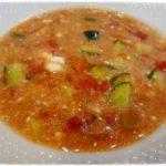 Томатный суп с огурцами
