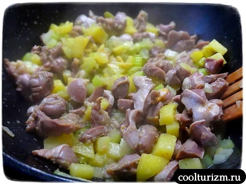 как вкусно приготовить куриные желудки на сковородке