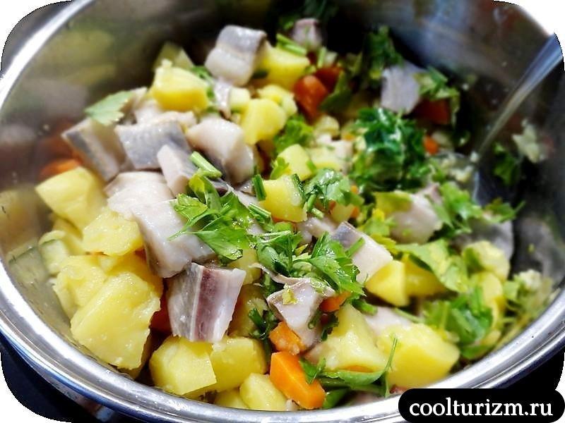 салат из селедки с картошкой с майонезом