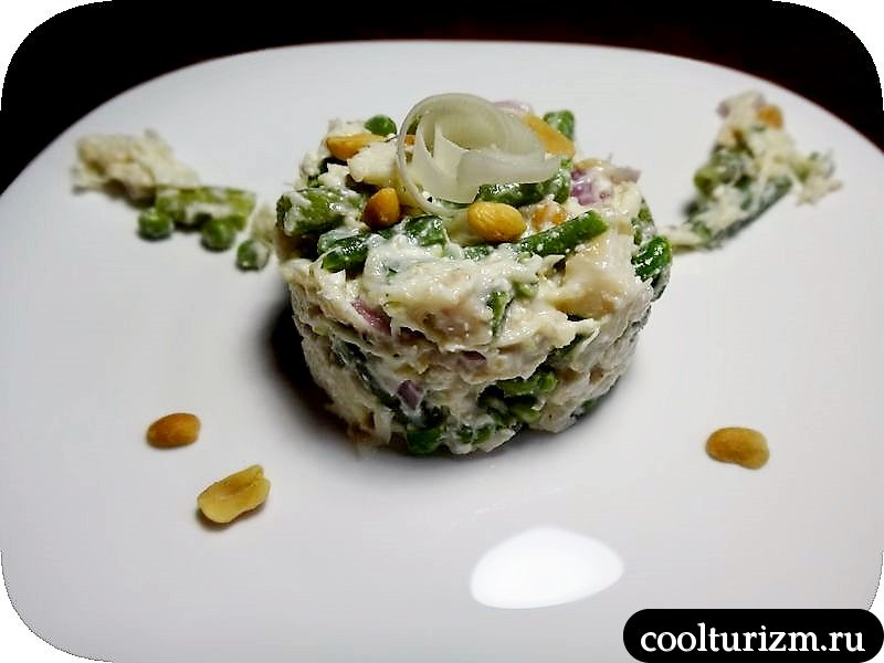 рыбный салат с фасолью