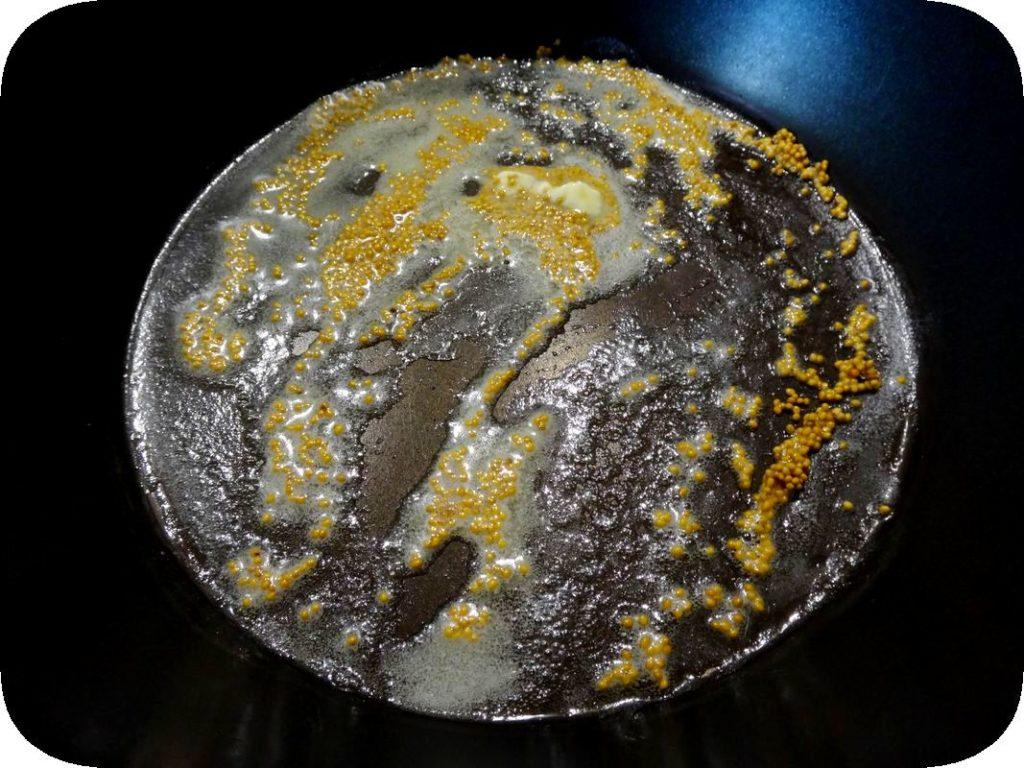 кура в фольге под соусом из сельдерея