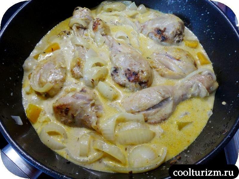 куриные голени с макаронами и тыквой