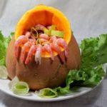 Креветки с мидиями в остром тыквенном соусе