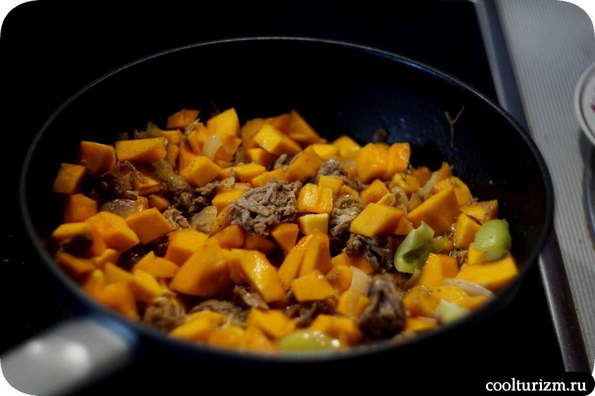макароны с тыквенно-мясным соусом