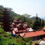 Гора Таку Вьетнам. Пагода Линь Шон Чыонг Тхо. Linh Son Trong