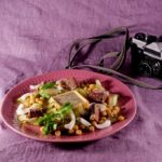 Салат из тунца и свежих огурцов с яйцом