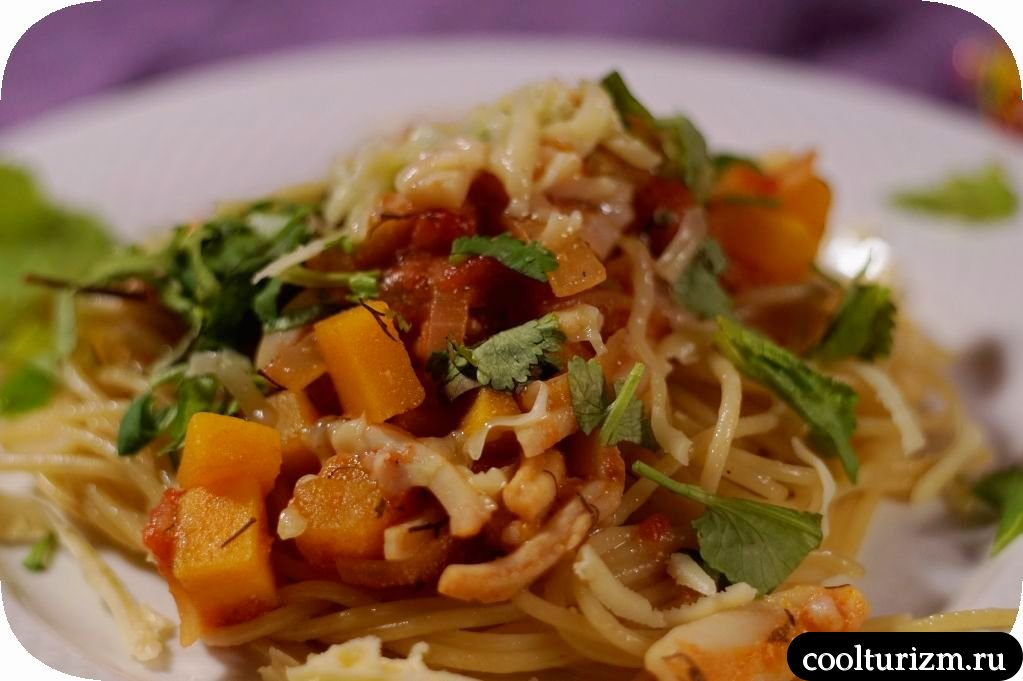 спагетти с кальмарами в сливочном соусе