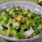 Простой салат с сельдереем. Салат со стеблем сельдерея